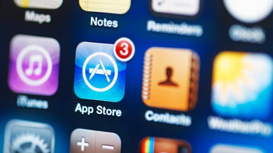 App Store este de fapt un serviciu al Apple si reprezinta un magazin online de aplicatii pentru jocuri, filme, carti si alte diverse aplicatii lansat undeva in iulie 2008 ca update pentru iTunes.