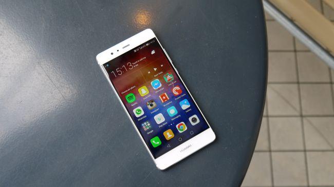 Huawei P10 va avea ecran curbat