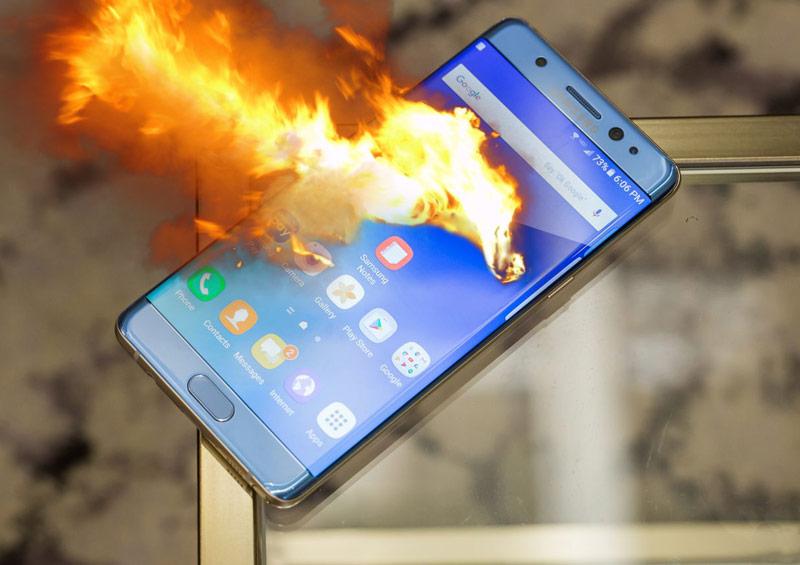 OFICIAL: Bateriile au cauzat explozia Samsung Galaxy Note 7