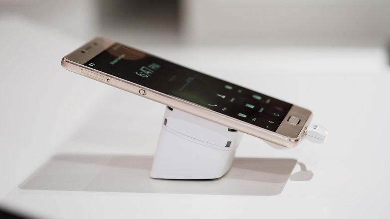 Lenovo P2, marele castigator din TOP 10 telefoane mobile in functie de baterie