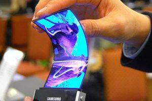 Smartphone pliabil de la Samsung in 2017