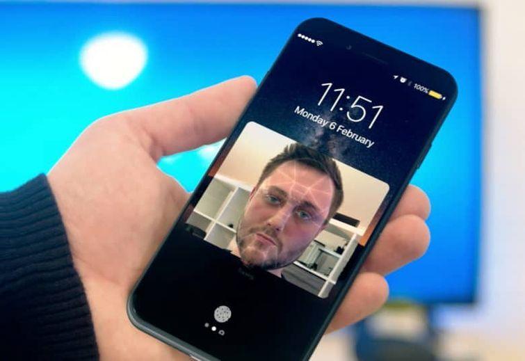 iPhone 8 cu recunoastere faciala?
