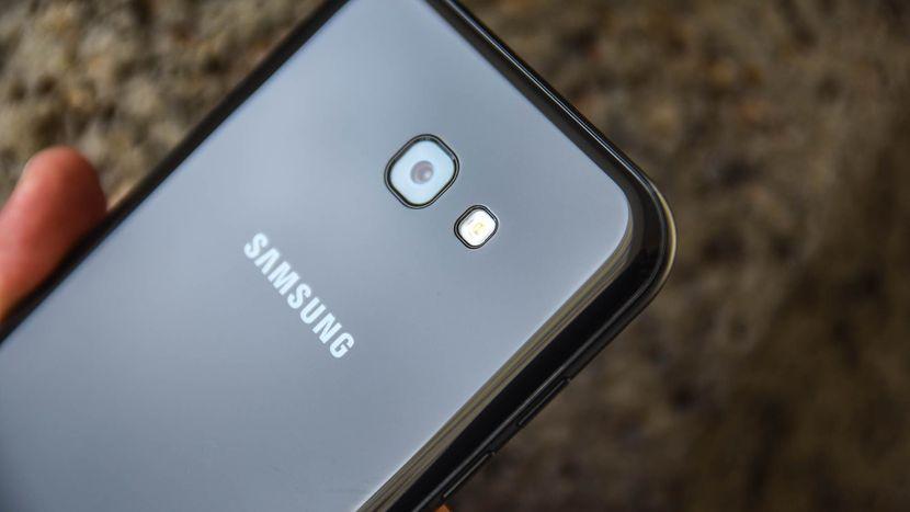Samsung Galaxy A7 2017 review, pret, opinii, imagini si disponibilitate 4