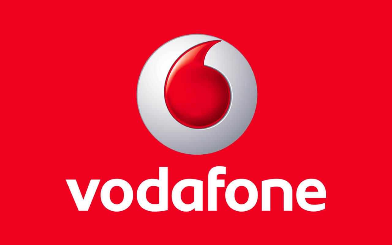 Vodafone lanseaza 3 modele noi de telefoane: Vodafone Smart E8, Smart N8 si Smart V8