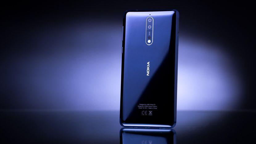 Nokia 8 cu 8GB memorie RAM