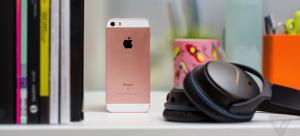 Apple »» iPhone SE smartphone » Display 4.0″ LED-backlit IPS LCD display, 12 MP camera, Wi-Fi, GPS, Bluetooth.