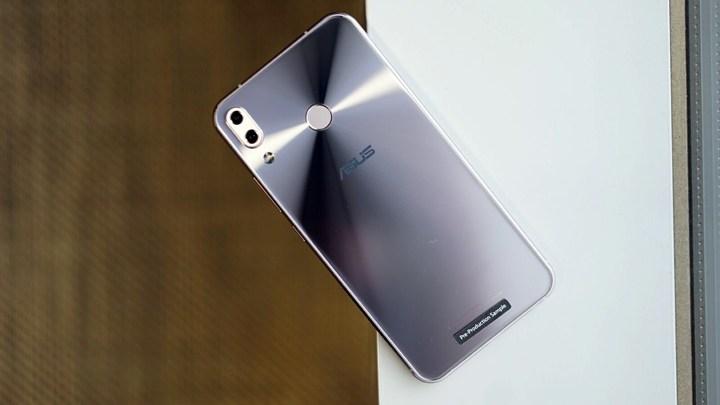 ASUS Zenfone 5 (3)