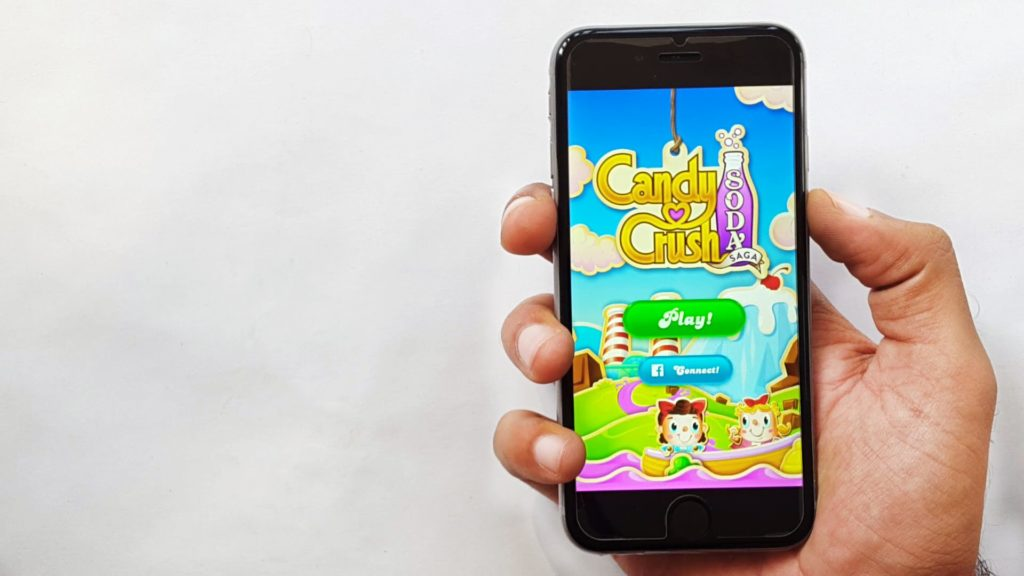Top 10 jocuri pe iOS in 2018 - Candy Crush Saga