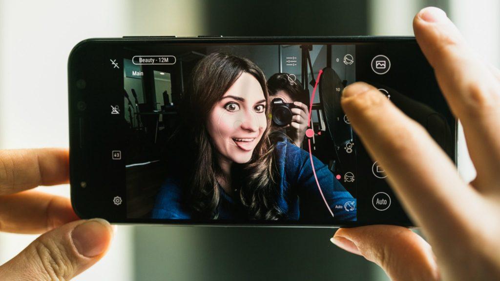 Top 5 cele mai bune telefoane ieftine pentru selfie (4)